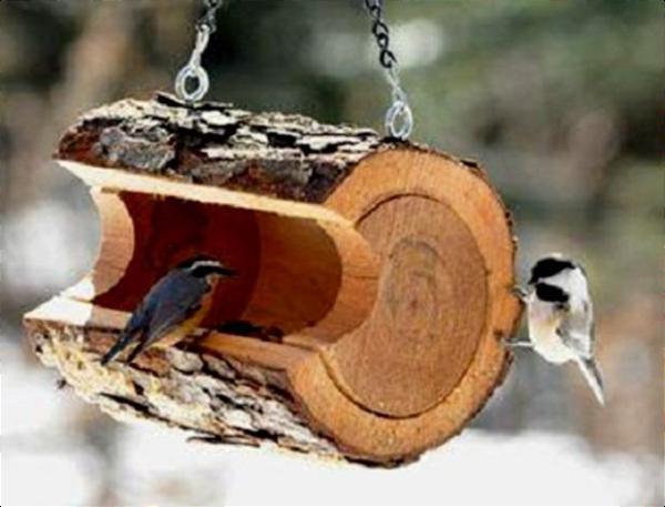 Φωλιά για πουλιά απο κορμό ξύλου